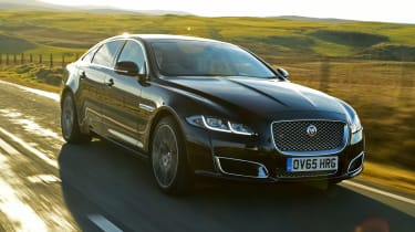 Jaguar XJ - front 3/4 driving