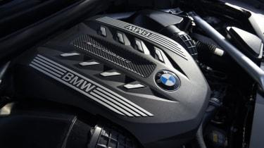 2019 BMW X6 - engine shot
