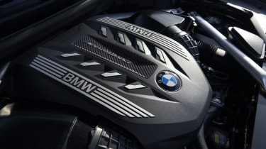 2019 BMW X6 - engine shot