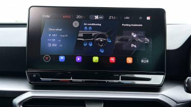 SEAT Leon hatchback - infotainment display
