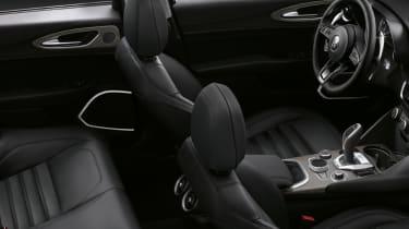 Alfa Romeo Giulia saloon front seats