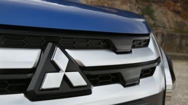 2020 Mitsubishi ASX badge