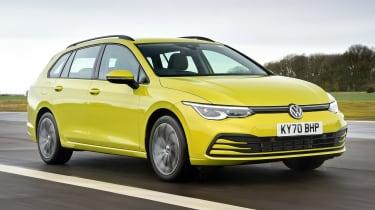 Volkswagen Golf Estate front 3/4 tracking
