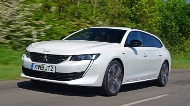 Peugeot 508 SW estate front 3/4 tracking
