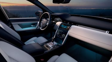 Facelifted Land Rover Discovery Sport - dashboard
