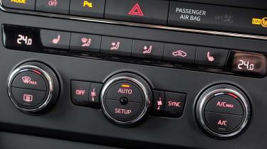 SEAT Leon climate control dials