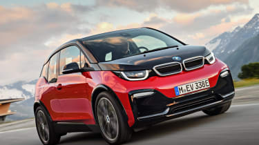 This helps the standard all-electric i3 get from 0-62mph in a surprisingly brisk 7.3 seconds
