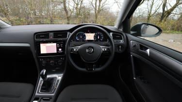 VW e-Golf' interior