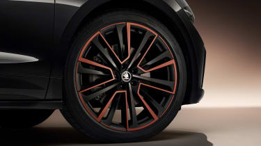 2021 Skoda Enyaq iV - alloy wheels black/orange