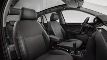 The SE Sport trim level adds a panoramic sunroof and tinted rear windows to the specification list