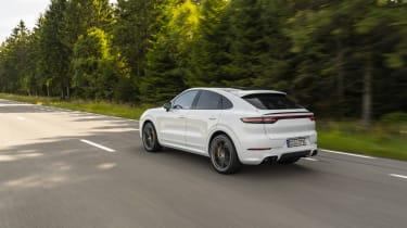 Porsche Cayenne Turbo S E-Hybrid - rear 3/4 dynamic wide