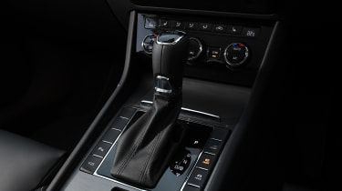 Skoda Superb Estate gearlever