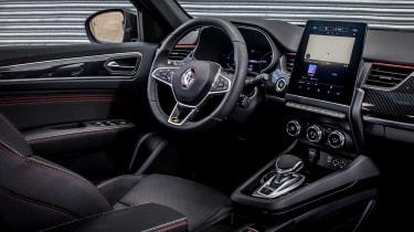 Renault Arkana SUV dashboard