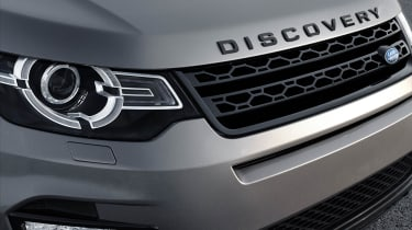 The front end owes its existence to the Range Rover Evoque and previews the next generation of Discovery