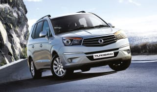Ssangyong Turismo MPV 2013 front cornering
