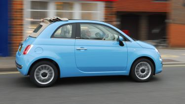 Fiat 500C convertible 2013 side tracking