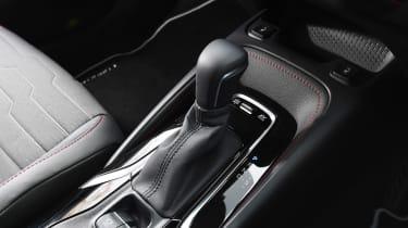 Toyota Corolla Touring Sports estate gearlever