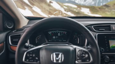The Honda CR-V has a clear digital instrument cluster for the first time, with an optional head-up display