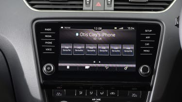 2017 Skoda Octavia Estate - infotainment screen