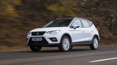 SEAT Arona - front 3/4 view dynamic
