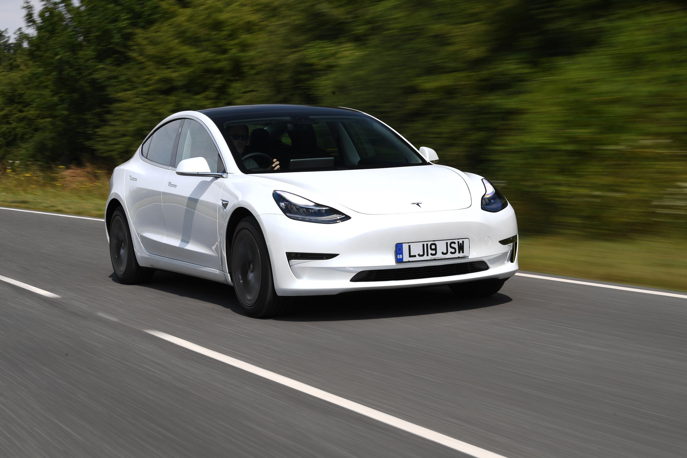 Tesla Model 3 saloon - MPG, running costs & CO2 2020 ...