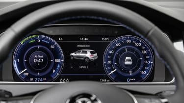 As a range-topping model, the e-Golf gets a driver-configurable Active Information Dispay