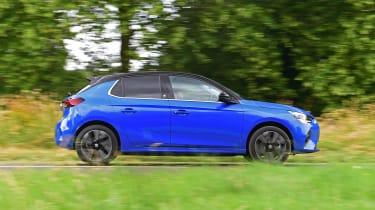 Vauxhall Corsa-e hatchback side panning