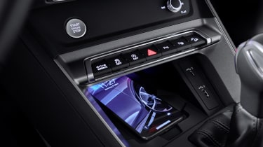 2019 Audi Q3 Sportback - centra console close up
