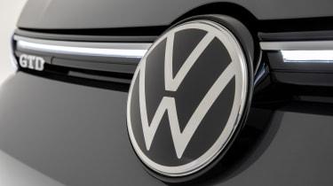 2020 Volkswagen Golf GTD - front grille close up