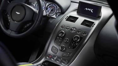 Aston Martin Rapid AMR – dashboard