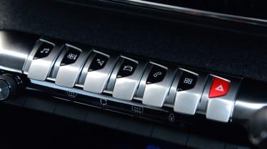 Peugeot 3008 SUV piano keys