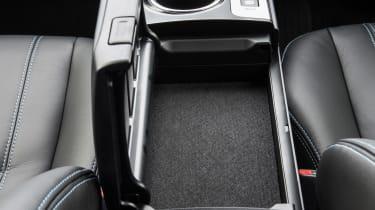 Toyota Prius+ MPV centre console