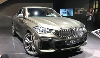 2020 BMW X6 - RH 3/4 static view