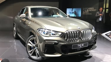 2020 BMW X6 - RH 3/4 static view