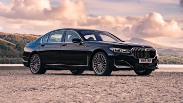 BMW 7 Series saloon - front 3/4 static