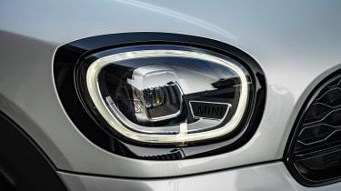 MINI Countryman Plug-in Hybrid headlights