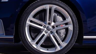 Audi S8 saloon alloy wheels
