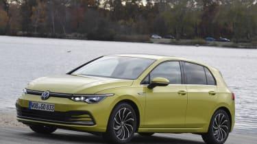 2020 Volkswagen Golf - front 3/4 static view