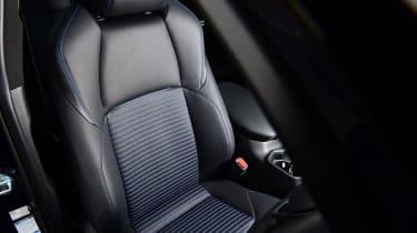 Toyota RAV4 Dynamic - front seat