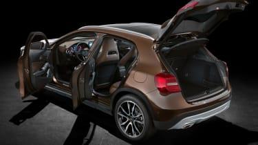 Mercedes GLA 2014 rear static door open