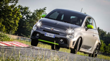 Abarth 595 Pista - Front 3/4 dynamic with tail out