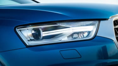 Xenon headlights are fitted with LED daytime running lights. Full-LED headlights are also available