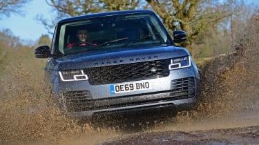 2020 Range Rover Vogue P400 - Dynamic mud splash