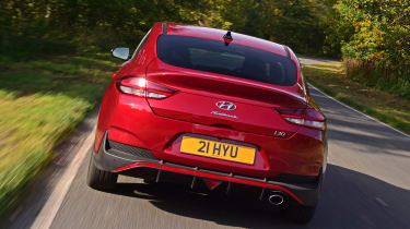 Hyundai i30 Fastback N Line rear tracking