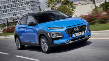 2019 Hyundai Kona Hybrid - front view driving
