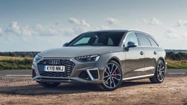 Audi S4 Avant estate front 3/4 static