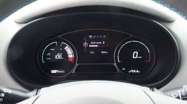 Digital screens replace the analogue dials, and suit the Soul EV