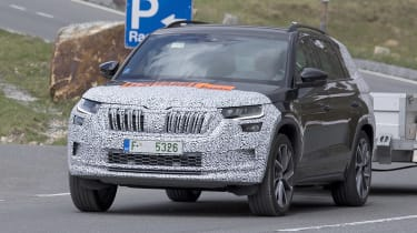 Skoda Kodiaq spy shot driving