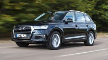 Audi Q7 e-tron - front 3/4 view
