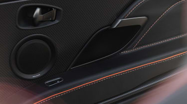 Aston Martin DBS Superleggera Volante speakers